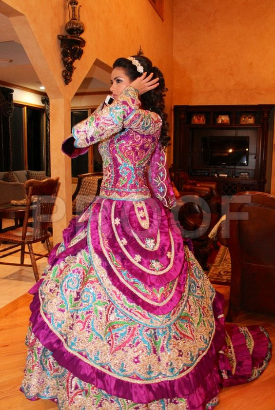 Party Dresses For Mehndi : Arabic henna party dress what to wear pinterest