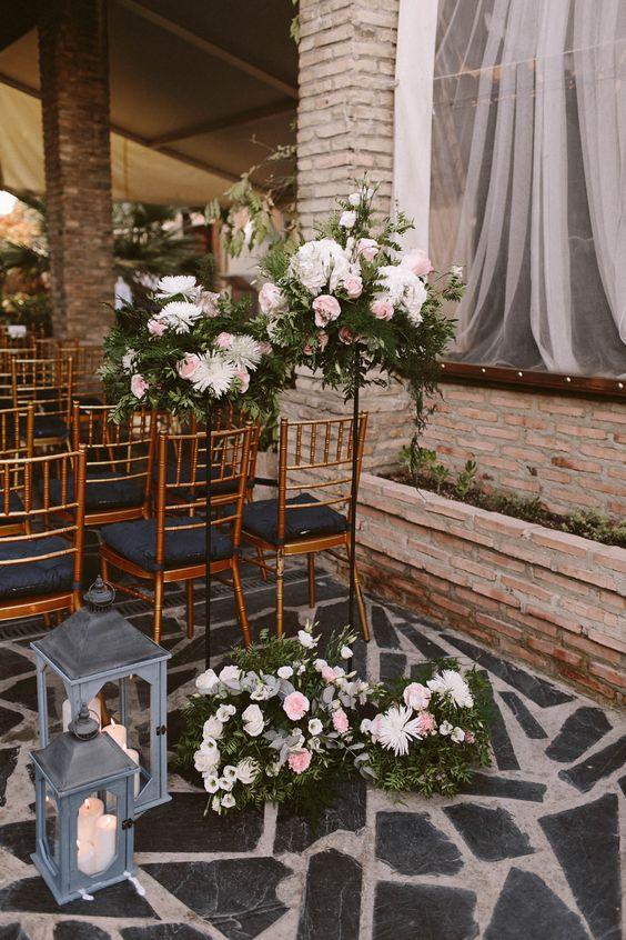 Boda M&J by El Balcón de Alicia ©People Producciones. Wedding Designers: El Balcón de Alicia. Flores: O siestro. #wedding #realwedding #boda #decor #ceremony #candles #flowers