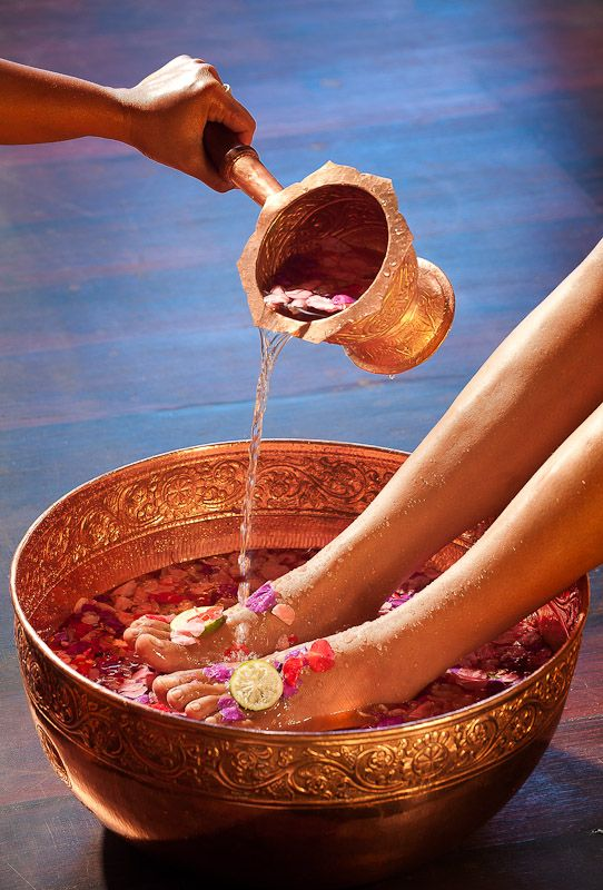 Body Care treatments begin with a Fivelements Foot Bath Ritual & close with a tea offering.