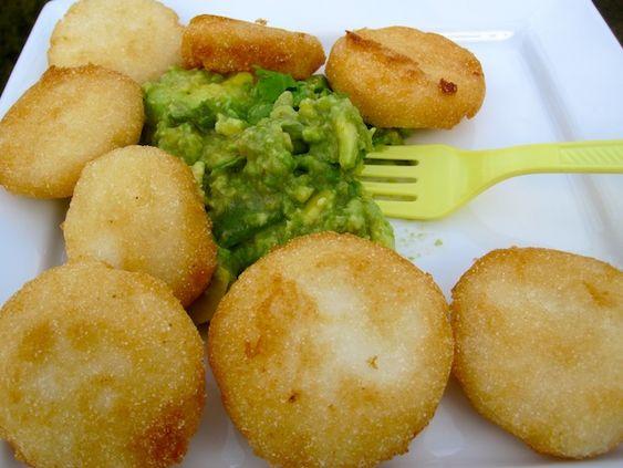 Arepas Fritas con Guacamole deliciosas