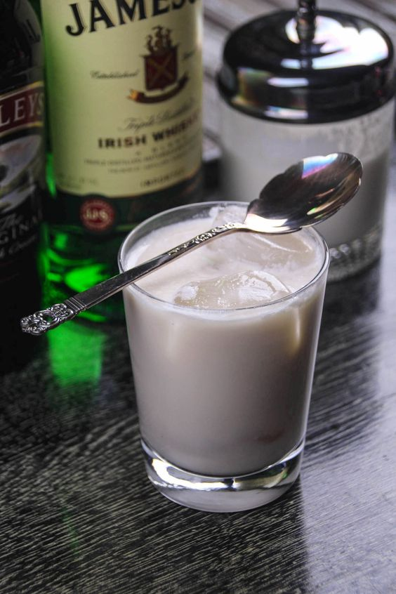 In this Irish White Russian recipe, you'll replace the classic vodka and Kailua with Irish whiskey and coffee liqueur. A fun twist on my favorite drink!