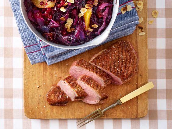 Was schmeckt zur Entenbrust? Wir haben uns köstliche Rezepte mit tollen Beilagen und Soßen ausgedacht, die Ihre Gäste lieben werden!