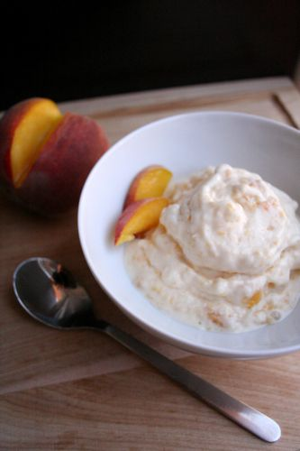 Homemade Peach Frozen Yogurt-- no ice cream maker required!