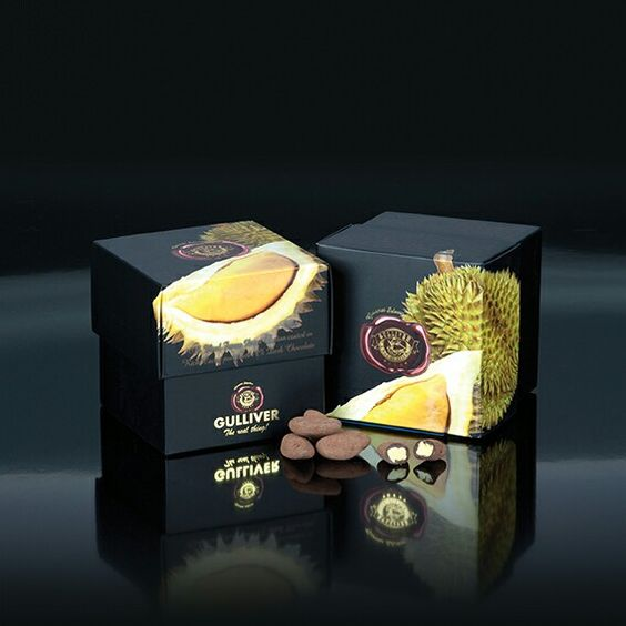 Gulliver Gourmet Selection, Belgian 72% Dark chocolate cover freeze dried Durian (King of fruits in Asia)..