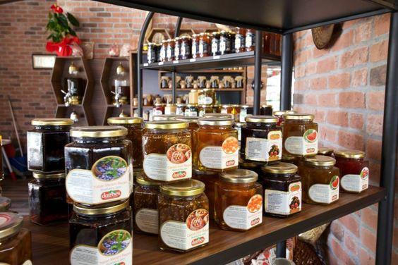 Nilüfer Kahvaltı Mekanı - Lezzetli Kahvaltılıklar - Küçük Çiftlik Gurme