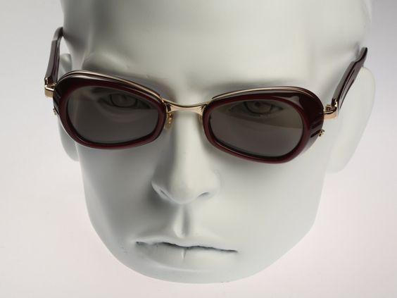 Matsuda 10616 / Vintage Sonnenbrillen / NOS / 90er Jahre elegante Designer Brillen von CarettaVintage auf Etsy https://www.etsy.com/de/listing/236612676/matsuda-10616-vintage-sonnenbrillen-nos