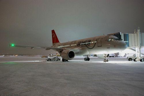 : Airplanes Jets, Airplanes 319, Clouds Planes, Skies Clouds, Airport Dawn
