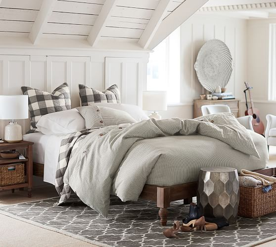Now I just need to trade our cal king in for a queen and we can make this happen. :o) Astoria Turned Leg Platform Bed