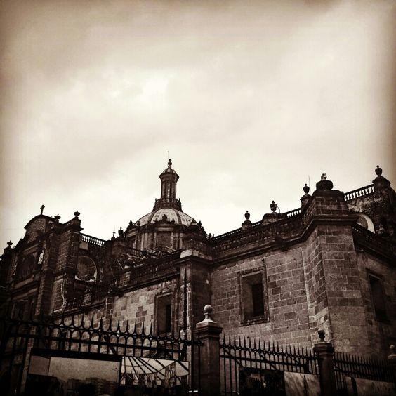 Vista por atrás de las cúpulas del poder. Catedral de México, D.F