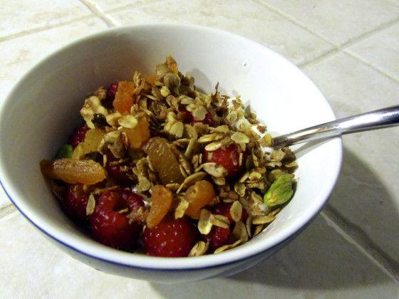 Crunchy Apricot Pistachio Granola