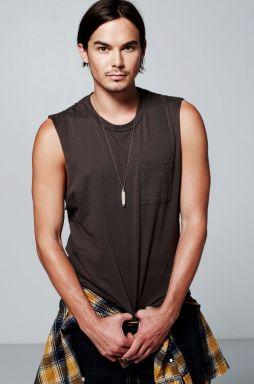 Tyler Blackburn is a beautiful beautiful man