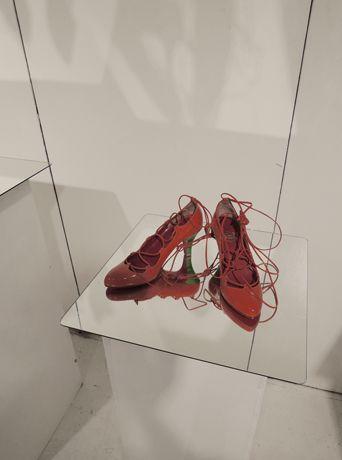 VERO TWIQO  | exhibition kutsukoten Japanese creative shoe designer.  Of course I love this brand. http://verotwiqo.com/top.html