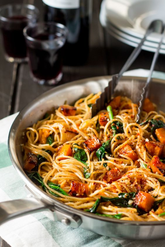 Pumpkin, spinach and walnut spaghetti - Lazy Cat Kitchen