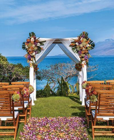 Hawaii Wedding Venues for Any Budget   Flower petal aisle ...