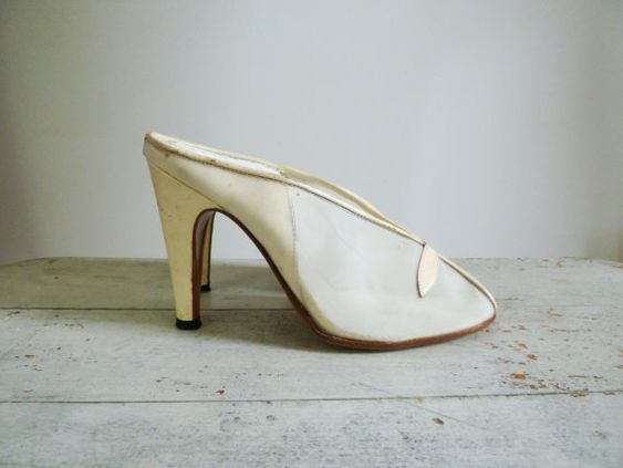 Vintage 1950's Cream Mesh Heels
