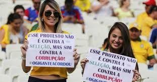 Resultado de imagem para mulheres protestando
