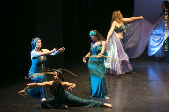 Eleganza e precisione danza con la spada orientale