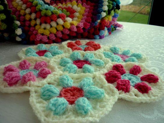 Pattern for Puffed Daisy Hexagon.