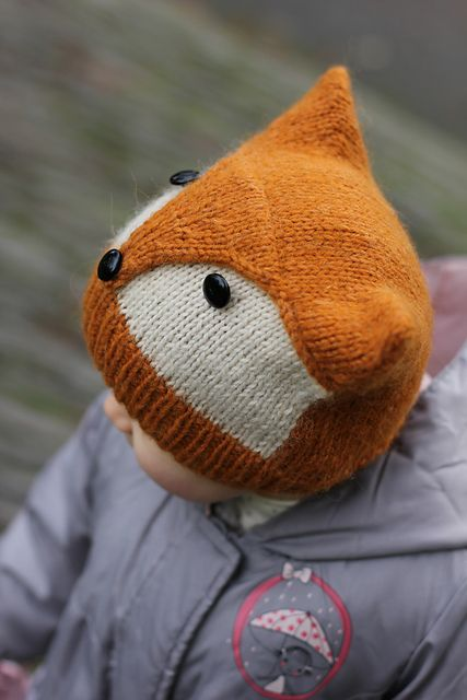 So cute!  Lamb's Pride would be a great choice for this hat.   Ravelry: Foxy & Wolfie pattern by KatyTricot