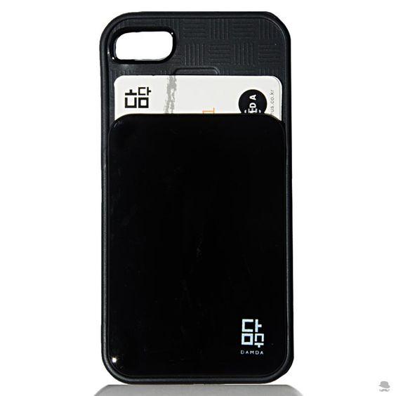 CAPA PARA IPHONE 4 - 4S CARTÃO Uma capa para iPhone em borracha com bolso para guardar os cartões sem risco de amassá-los. Prática e elegante, com look clean, combina com os mais diversos estilos e ocasiões.