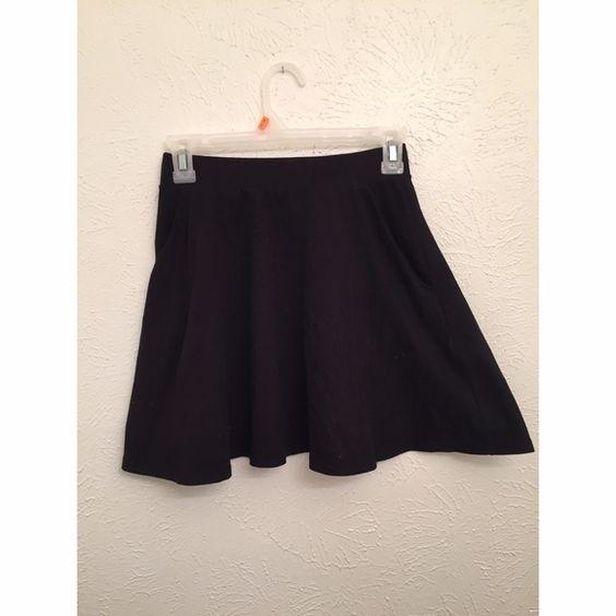 Black skater skirt Worn once. Has pockets. Will model upon request Forever 21 Skirts Circle & Skater