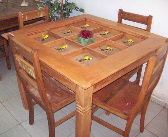 mesa sementeira medindo 1,00 x 1,00 x 0,80 cm de altura com 04 cadeiras 0,40 x 04,0 x 0,90 cm de altura. R$ 1.500,00