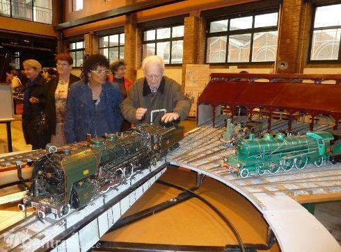 """Modele réduit d'141 R """"locomotive à vapeur à l'échelle du 1/11ème"""", réalisée par Monsieur Didailler, 94 ans ancien roulant. Visible à Vierzon au musée Laumônier de la locomotive à vapeur."""