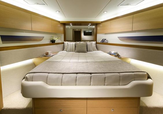 Riviera 515 SUV - Guest Stateroom