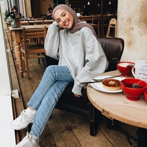 Samia Sauf Etc Photos Et Videos Instagram Hoodie Wanita Gaya Model Pakaian Model Pakaian Hijab