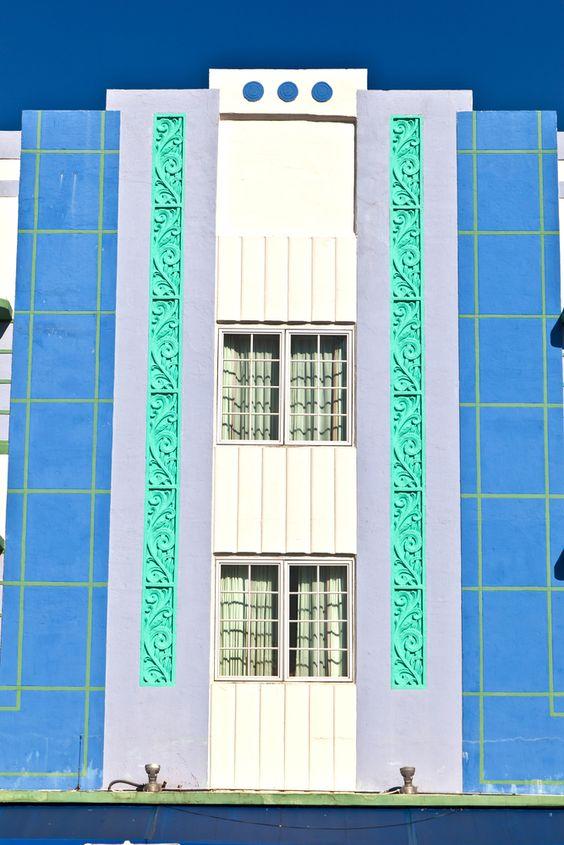 Detalles que marcan distinción. El barrio #ArtDeco, uno de los sitios más bonitos en #Miami, donde se encuentran los mejores hoteles y restaurantes de #Florida. http://www.bestday.com.mx/Miami-area-Florida/ReservaHoteles/