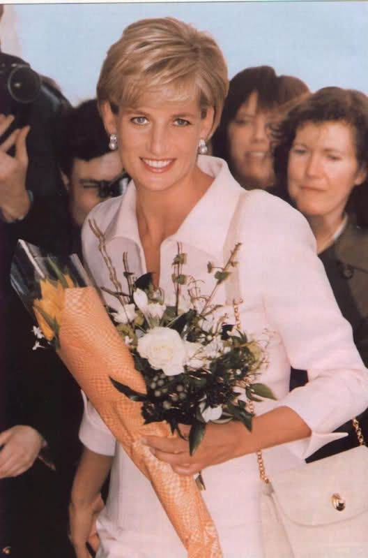 Princess Diana - Page 11 - the Fashion Spot/....marvelous picture of her that I don't believe I've seen before.