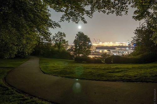 just a little night walk around the corner ...