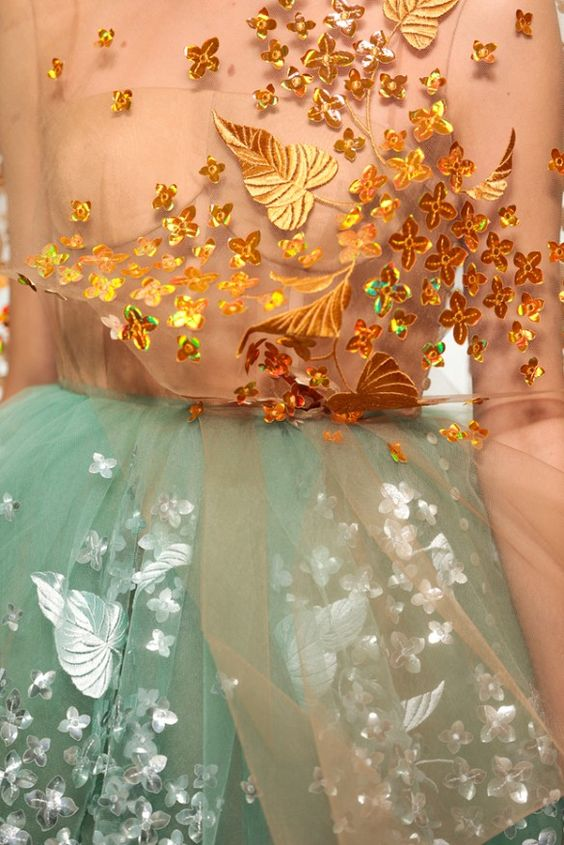 FLORAL TEXTURE -  lasercut? Texture on top  See the Dreamy S/S 15 Delpozo Collection   jaglady