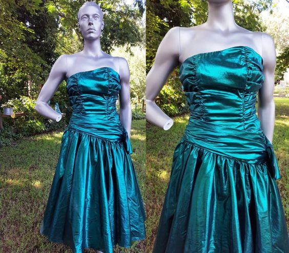 80s Prom Dress / Vintage Bridesmaid Dress / by gottagovintage1