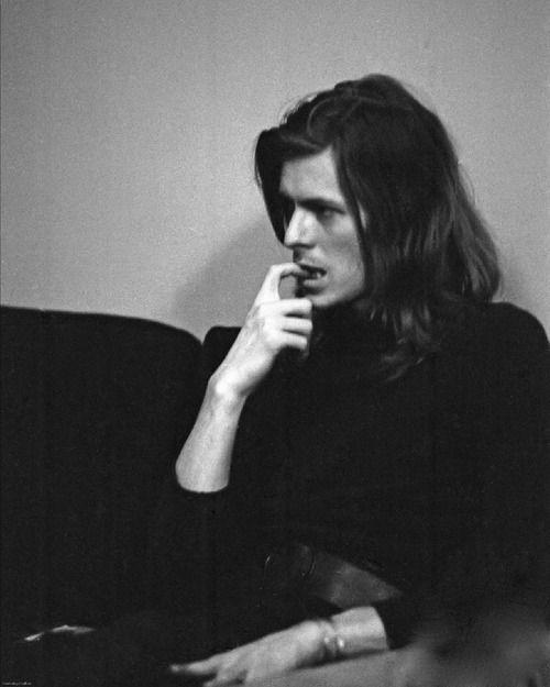 David Bowie. Love this photo.