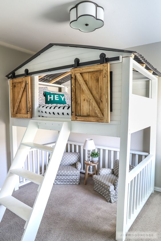 Learn how to build a DIY Sliding Barn Door Loft Bed. Easy-to-follow tutorial by Jen Woodhouse. This bed fits a Full Size mattress.