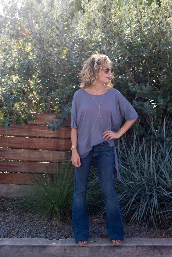 flare leg jeans, oversized tee, nordstrom. luciakjewelry