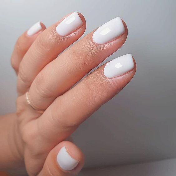For a fresh crisp mani try #FunnyBunny 🐰  by: @nailspacestudios  #whitenails #white #opi #opifunnybunny #summernails