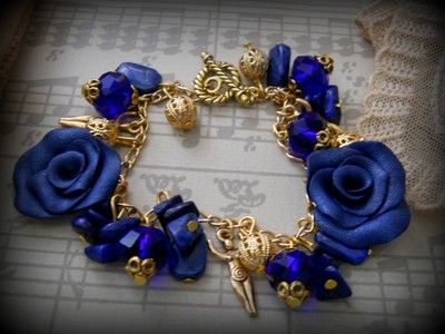 Goddess and the rose, in Lapis and gold wiccan jewelry <3