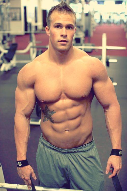Dumbbell bench press exercise | bodybuilding | Dumbbell ...