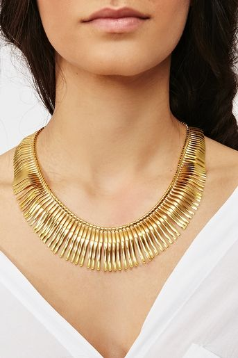 I love everything Cleopatra-inspired in the fashion world ;).