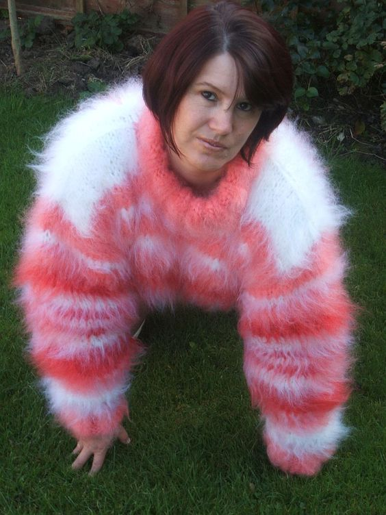 Fluffy And Bulky Mohair Love Isobel In Pink Orange