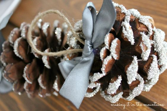 Glass Glitter Pine Cone Ornaments - making it in the mountains #TriplePFeature
