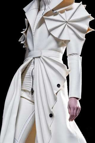 Futuristic Felt Fashion - Avant-Garde Viktor & Rolf Coats are Woollen Wonders (GALLERY)