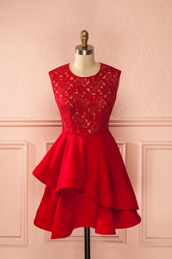 Robe trapèze rouge vif buste dentelle volants étagés asymétrique - Red a-line asymmetric ruffle layers lace bust dress: