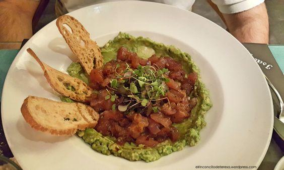 Spicy tartar de atún de Isabella's en Barcelona. Ideal para una cena romántica.
