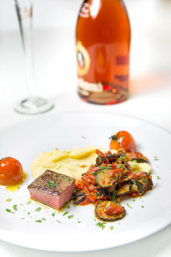 Lammrücken sous-vide mit confierten Tomaten, dazu einen leckeren #FürstvonMetternich #Sekt #rose