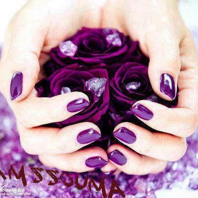 Prachtige paarse nagels