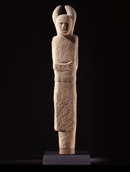 Double-faced horned Iron Age statue, perhaps representing a god. Holzgerlingen, Germany, 4th–2nd century BC. © P Frankenstein/H Zwietasch, Landesmuseum Württemberg, Stuttgart.