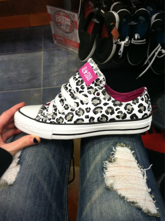 Leopard chucks!! I need these in my life!